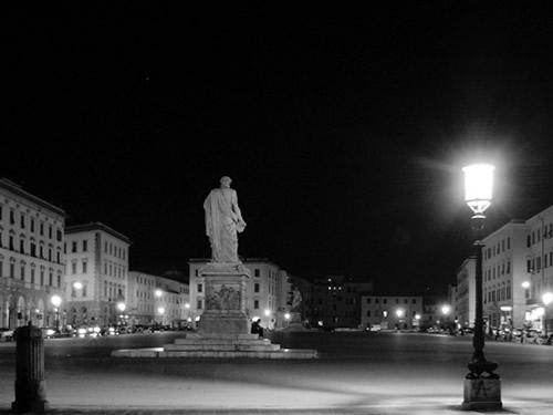 capodanno livorno in piazza in centro foto